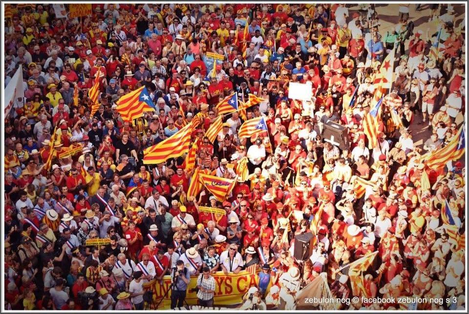 Autour de 10000 catalans s'étaient retrouvés à Perpinyà le 11 septembre pour demander que le nom de la région associe Occitanie et Pays Catalan.